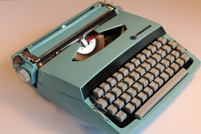 Smith-Corona typewriter from Toronto Typewriters.